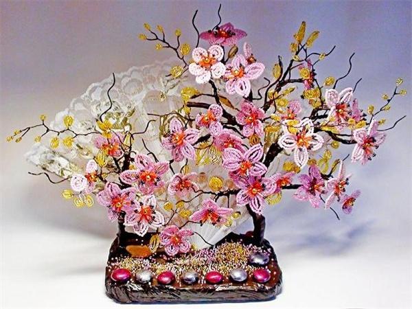 цветы из бисера фото и схемы плетения