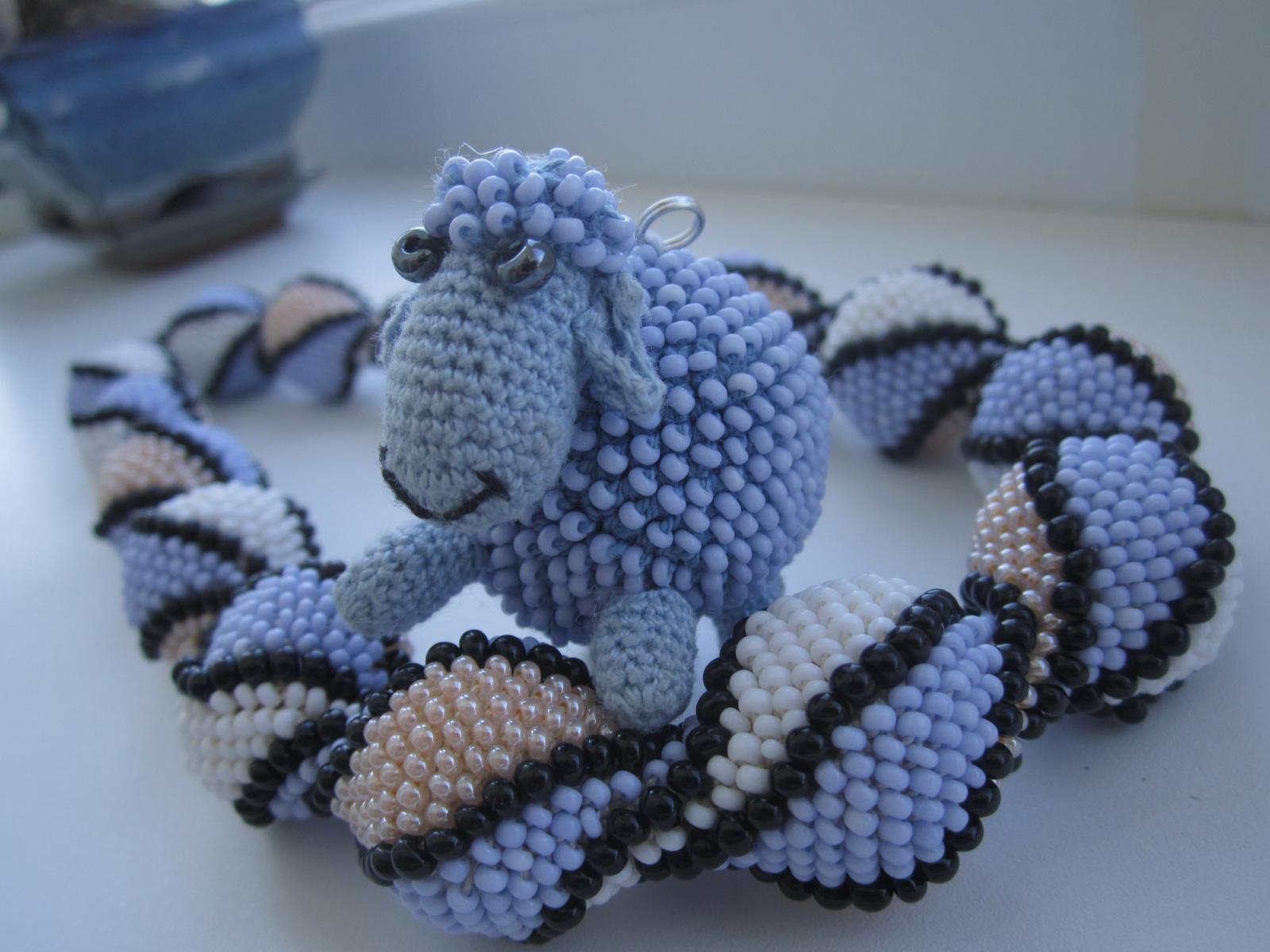 Плетение брелков из бисера пошаговые схемы