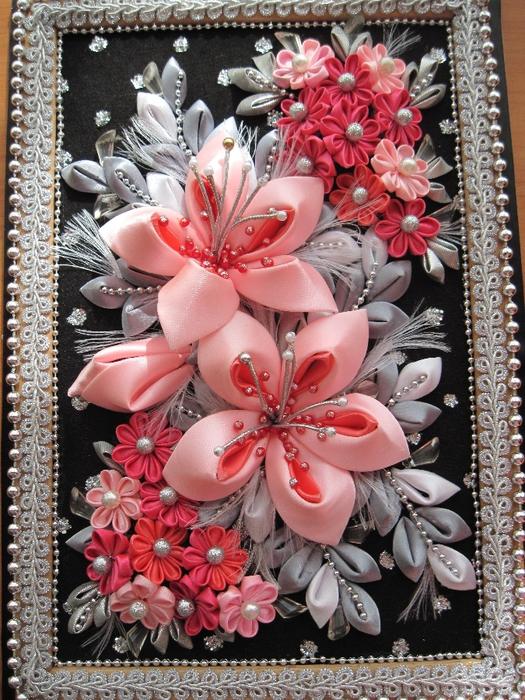 Канзаши мастер класс. Цветы из атласных лент 54